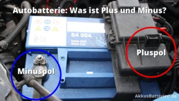 Minuspol und Pluspol einer Autobatterie